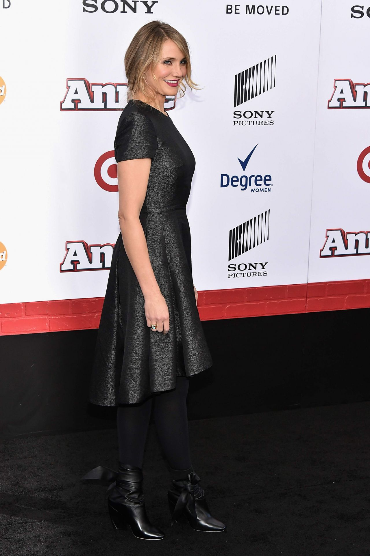 Cameron Diaz Annie World Premiere At Ziegfeld Theater