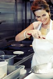 Camilla Belle - Cooking Lobster Roll with Jon Shook - November 2014