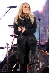 Carrie Underwood - 2014 World AIDS Day (RED) Concert at Times Square in New York City