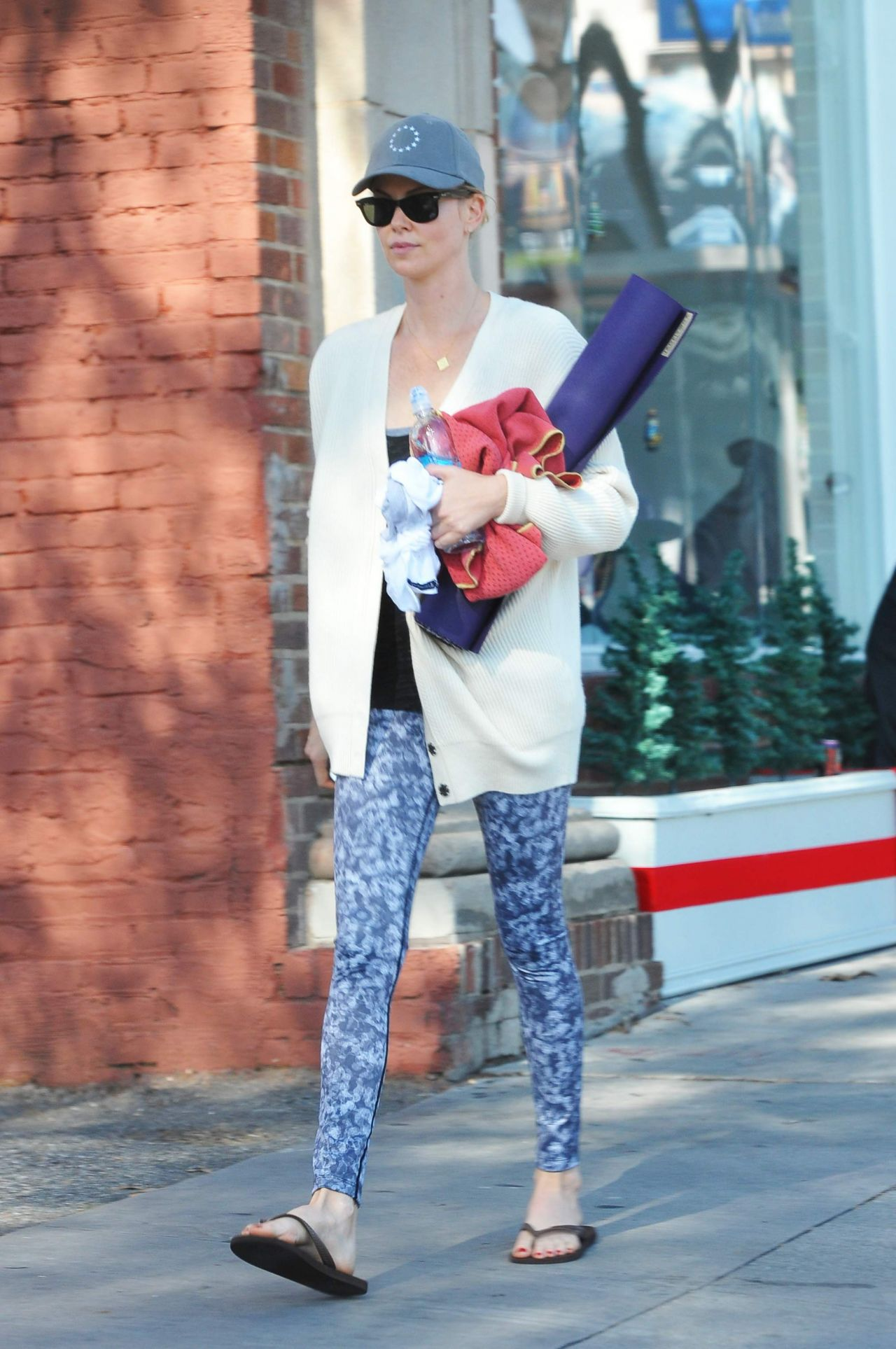 Charlize Theron - Leaves a Yoga Class After a Workout - December 2014