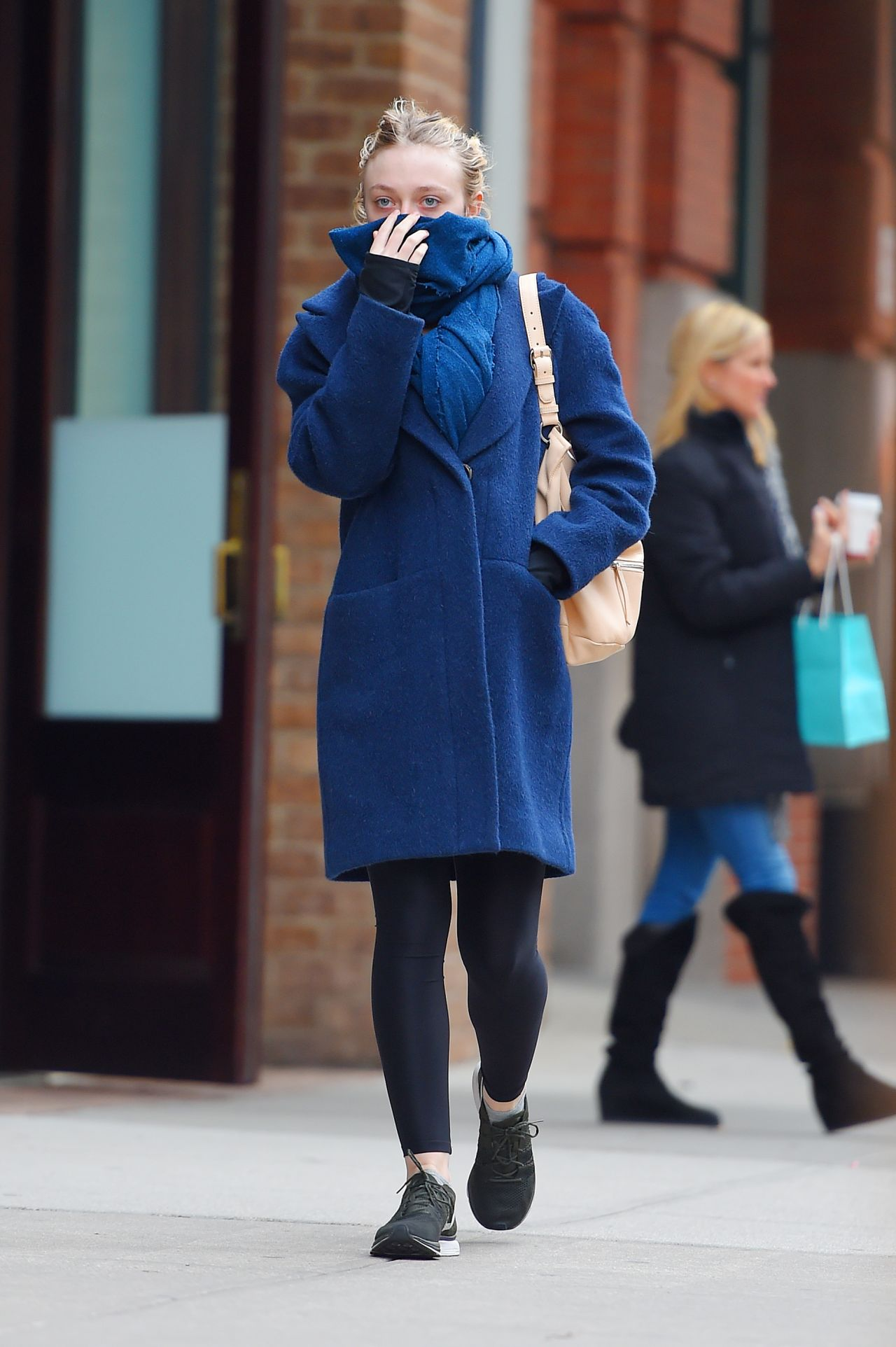 Dakota Fanning Style Out In New York City December 2014