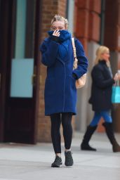 Dakota Fanning Style - Out in New York City, December 2014