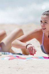 Demi Harman Bikini Photos - Beach in Sydney (Australia), November 2014