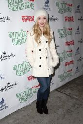 Dove Cameron – 2014 Hollywood Christmas Parade in Hollywood