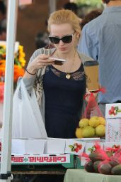Dove Cameron - Shopping at Farmer