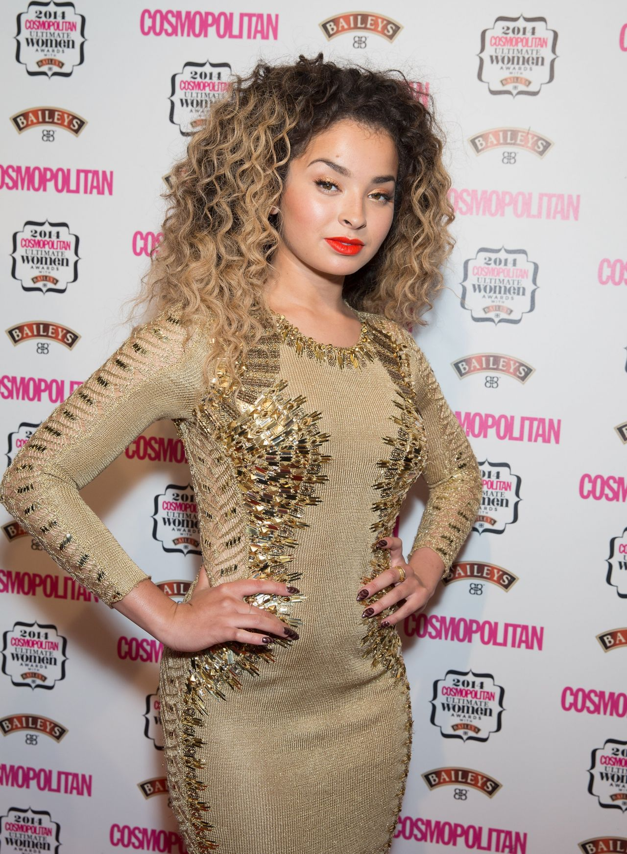 Ella Eyre - 2014 Cosmopolitan Ultimate Women of the Year Awards in London
