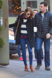 Emma Stone - Out for breakfast at Cafe Cluny in New York City, Dec. 2014