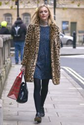 Fearne Cotton Style - at BBC Radio 1 Studios in London - December 2014