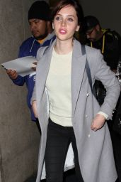 Felicity Jones - Arrives at LAX Airport in Los Angeles, December 2014