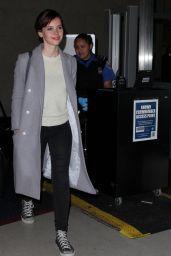 Felicity Jones - Arrives at LAX Airport in Los Angeles, December 2014