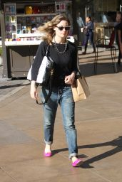 Gillian Jacobs Streetstyle - The Grove in West Hollywood, Dec. 2014