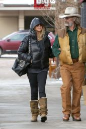 Goldie Hawn Winter Style- Out in Aspen - December 2014