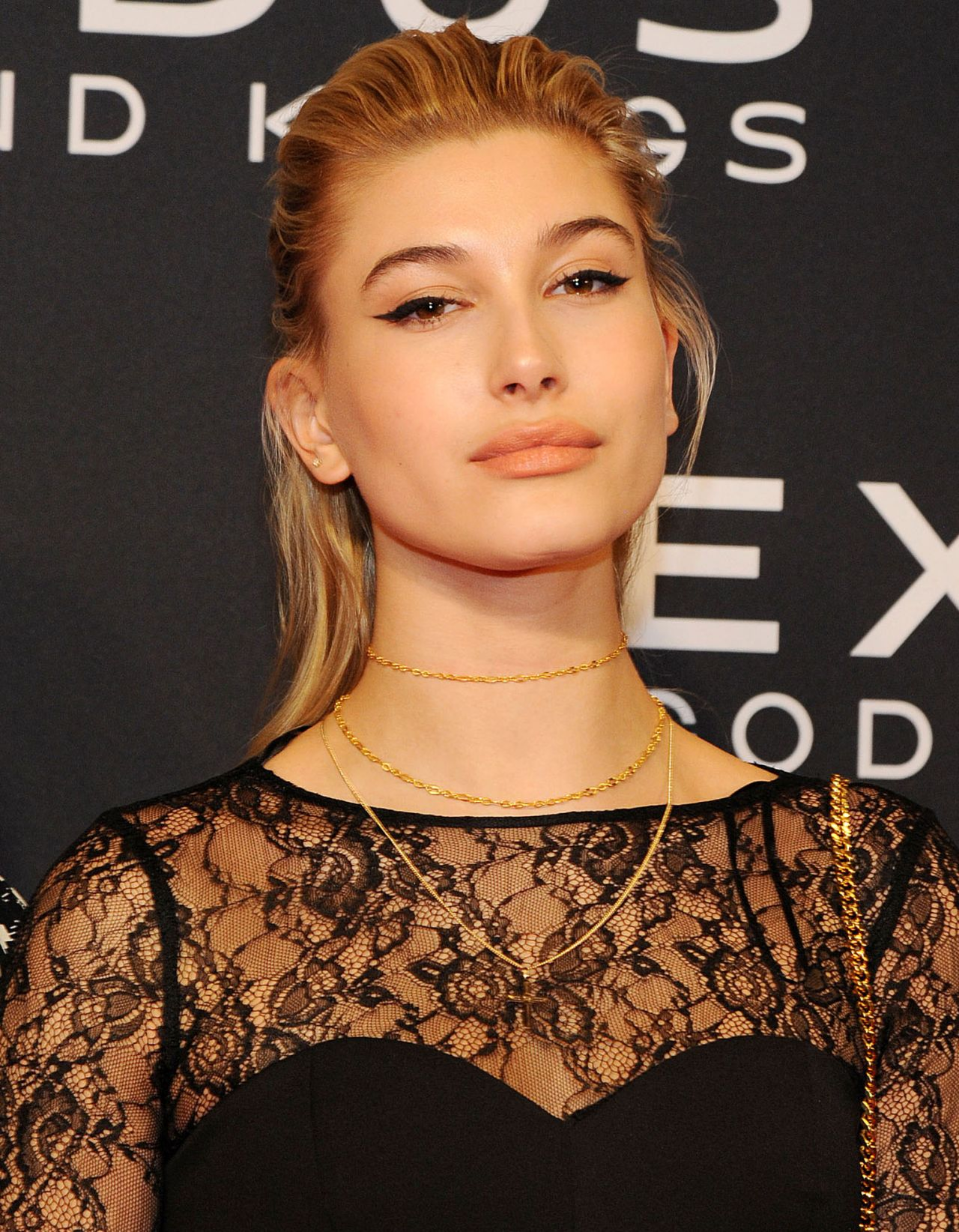 Hailey Baldwin Exodus Gods And Kings Premiere In New
