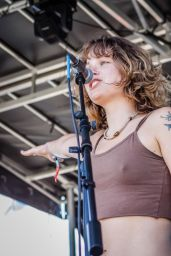 Hayley Jane - Performs at Disc Jam Music Festival 2014