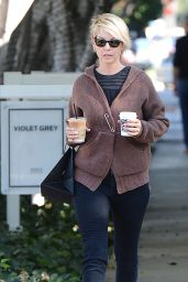 Jenna Elfman - Leaving Cafe Alfred in Los Angeles, December 2014