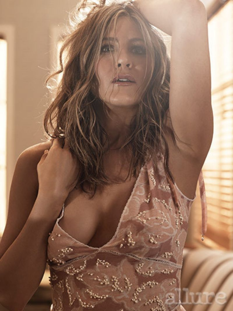 Jennifer Aniston Is Naked 79