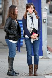 Jennifer Garner - Christmas 2014 Shopping Santa Monica
