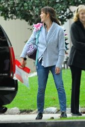 Jennifer Garner in Jeans - Out in Brentwood - December 2014
