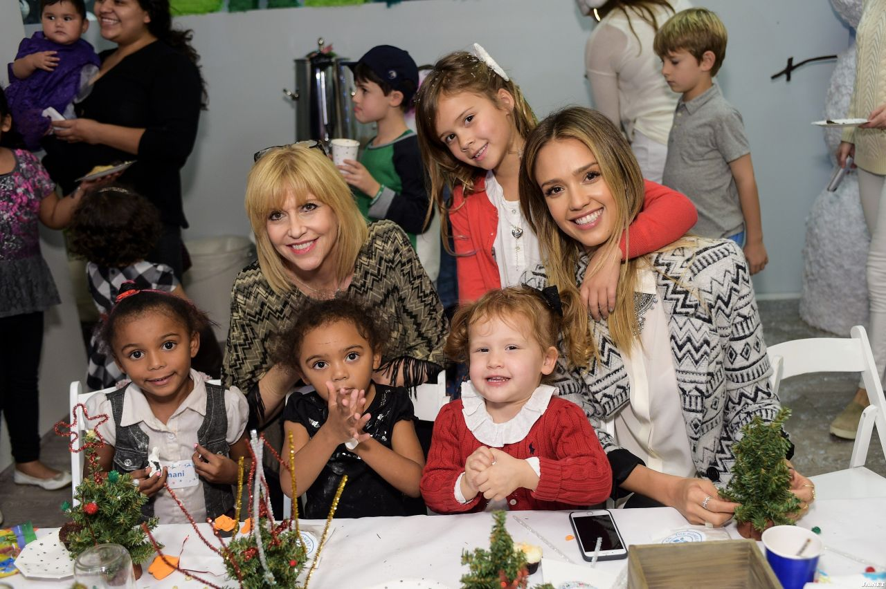 alba babybaby holiday party in los angeles jessica alba 2014 baby2baby holiday party in los angeles