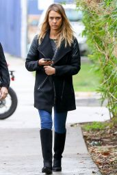 Jessica Alba Casual Style - Out in Santa Monica - Dec. 2014