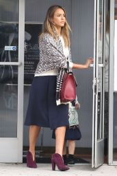 Jessica Alba Street Fashion - Running Errands In Los Angeles - Dec. 2014