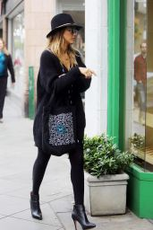 Jessica Alba Style - Out in L.A. - December 2014