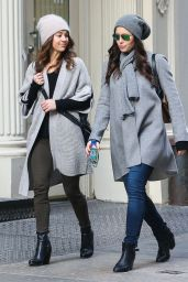 Jessica Biel Street Style - Out Shopping in New York City - December 2014