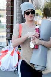 Kaley Cuoco - Leaving a Yoga Class in Los Angeles - December 2014