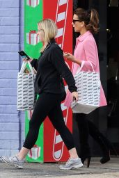 Kate Beckinsale - Shopping in Santa Monica - December 2014