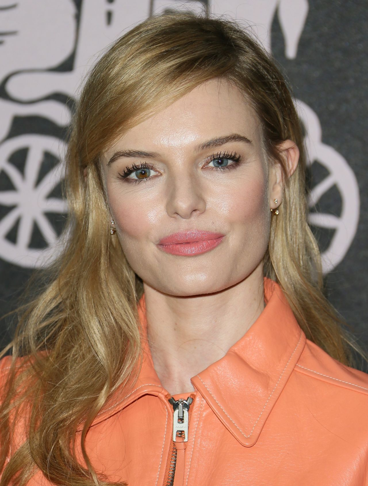 Kate Bosworth – Coac... Kate Bosworth