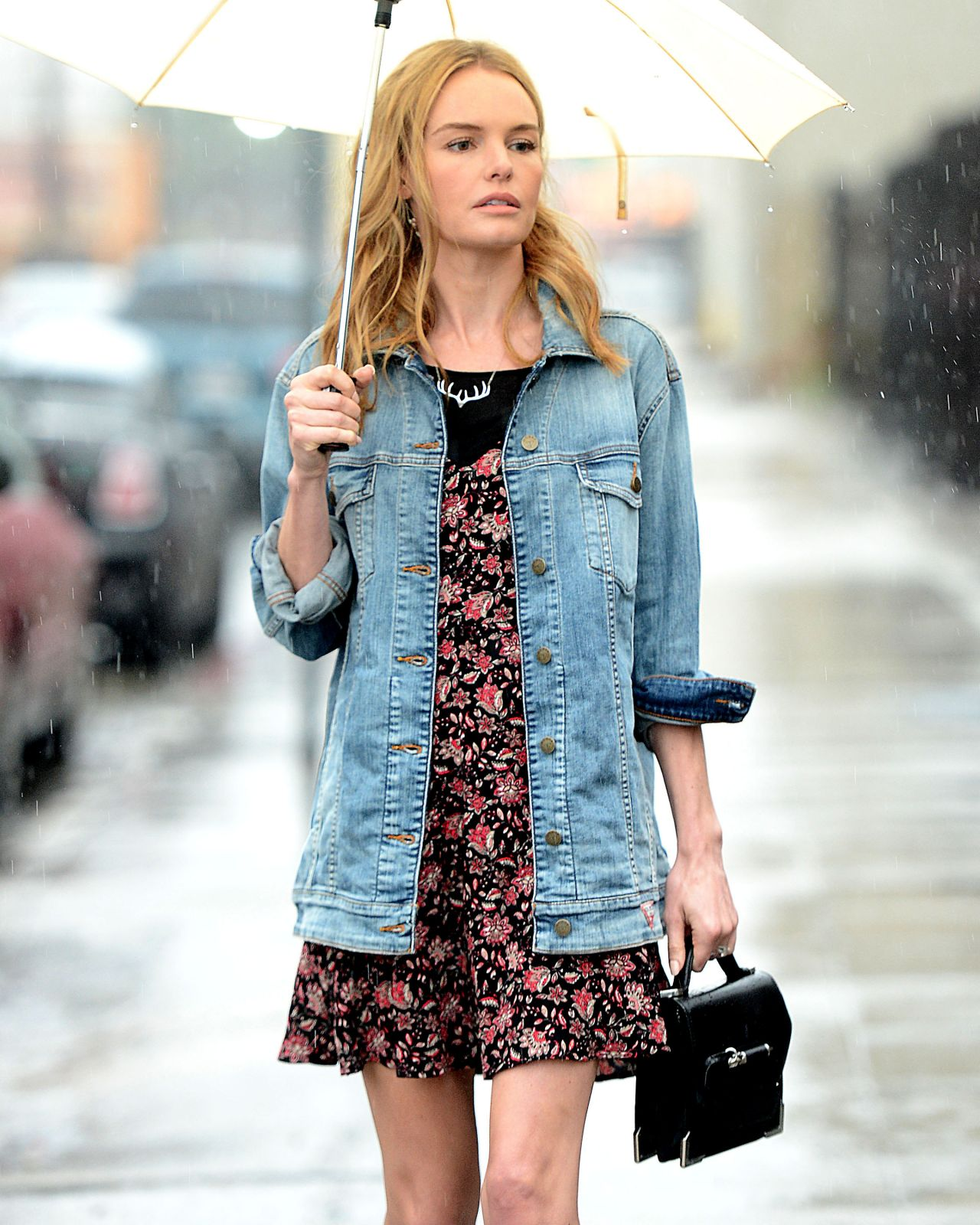 Kate Bosworth Street Style - Leaving a Meeting in Downtown ...