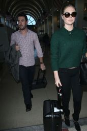 Kate Upton Casual Style - LAX Airport, Dec. 2014