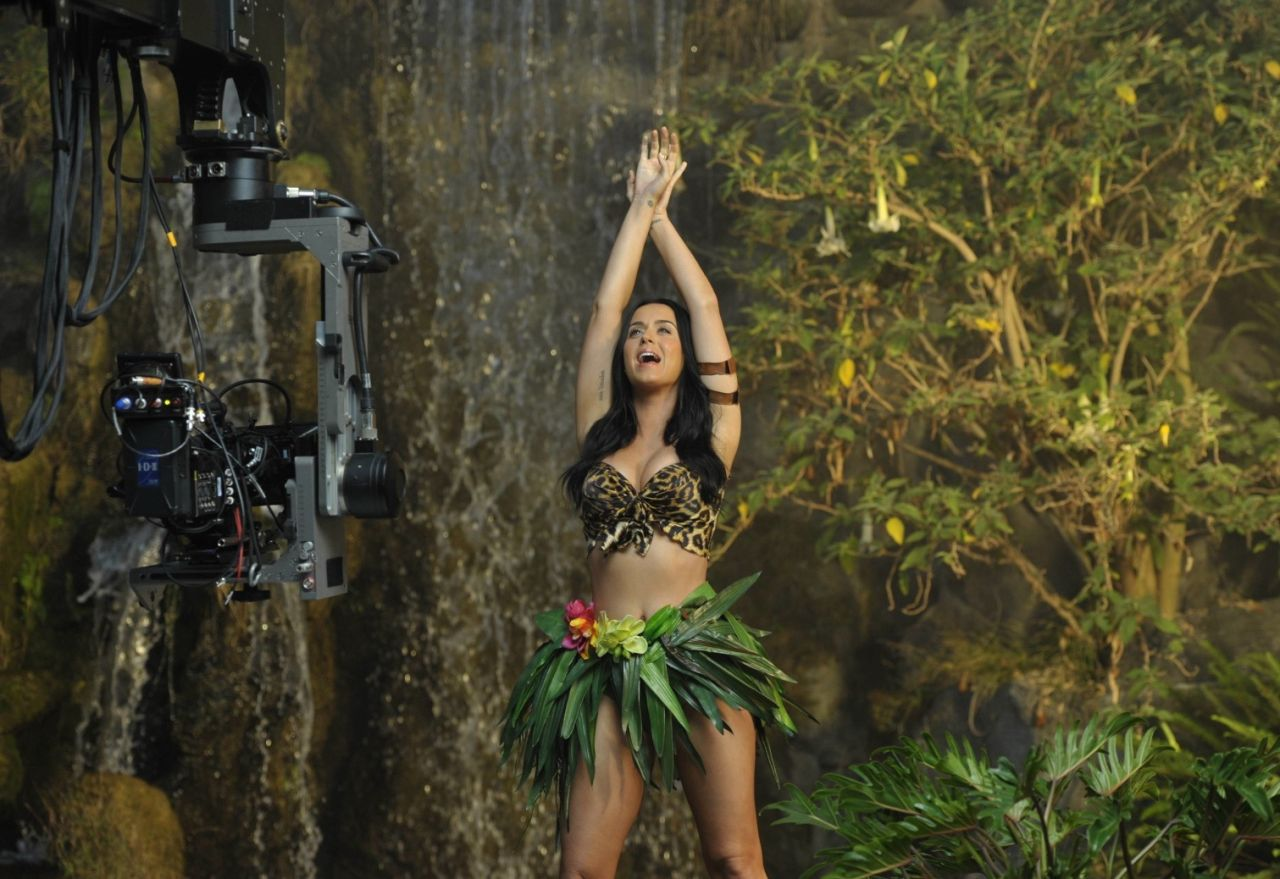 Katy Perry Roar Music Video Scenes Promo Photos Demi Lovato Philadelphia