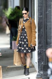 Katy Perry Street Style - Shopping in Surry Hills, Dec. 2014