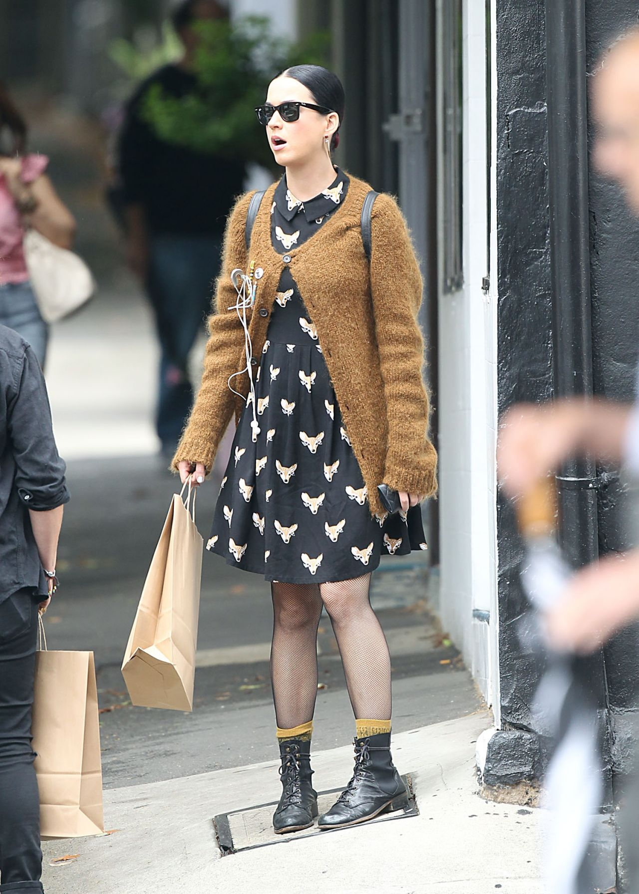 Katy Perry 2015 Celebrity Photos Street Style Shopping In Surry Hills Dec 2014