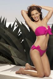 Kelly Brook Bikini Photoshoot – New Look Swimwear, April 2014