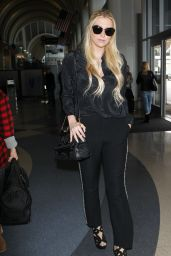 Kesha Style -  at LAX Airport, Dec. 2014