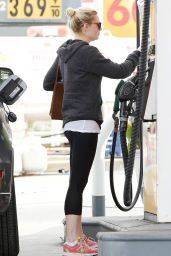 Kirsten Dunst - Stops at a Gas Station - December 2014