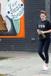 Kristen Stewart - Grabbing coffee With a Friend in Los Feliz - December 2014