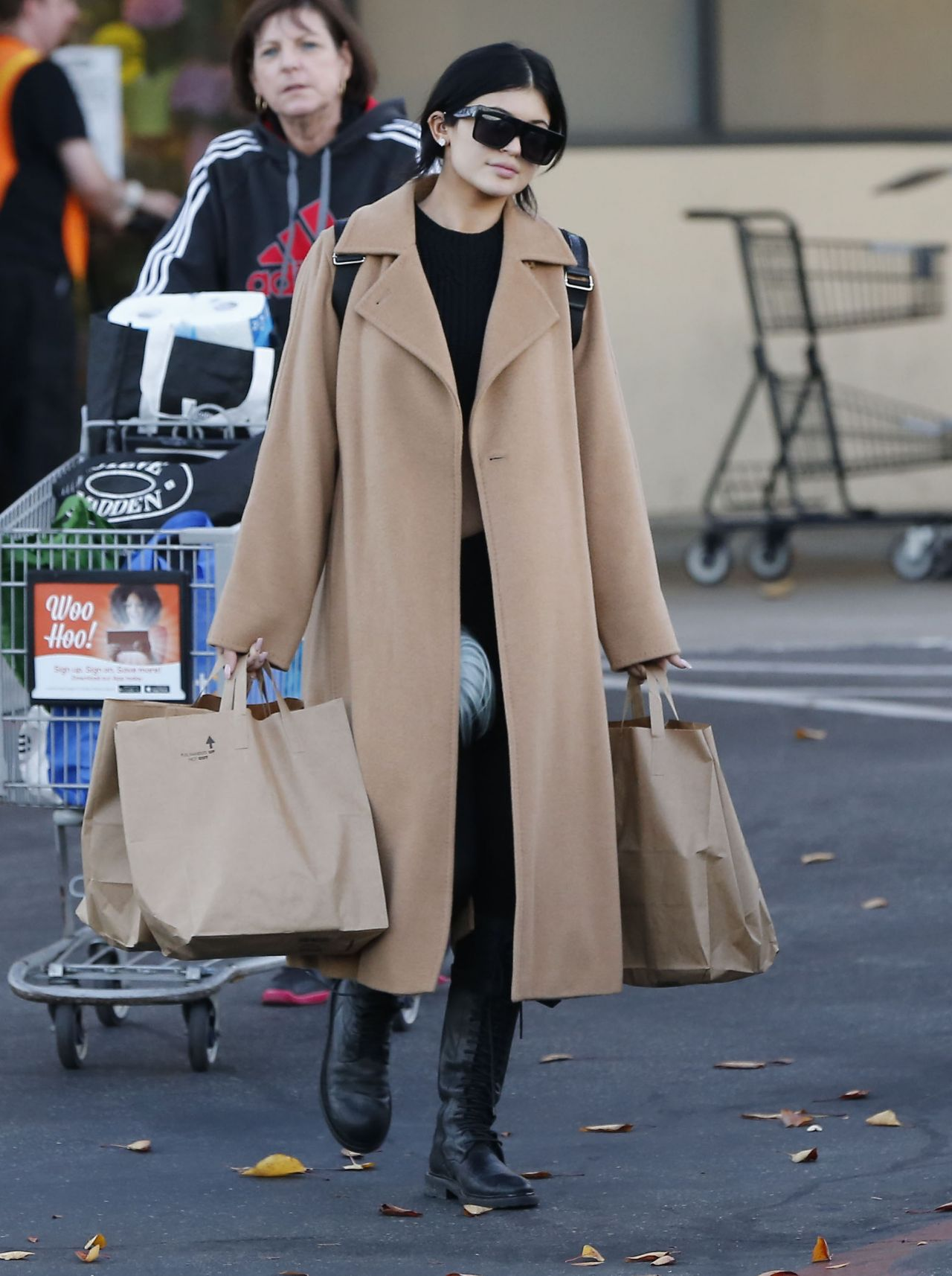 6563642913 furthermore Kylie Jenner 2015 Lingerie Style Shopping At Ralph 8217 S In Calabasas December 2014 also 4543884324 as well Navel Oranges further Minute Maid Lemonade 6 Pack 16 9 Oz. on grocery shopping