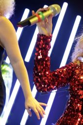 Kylie Minogue Performs at