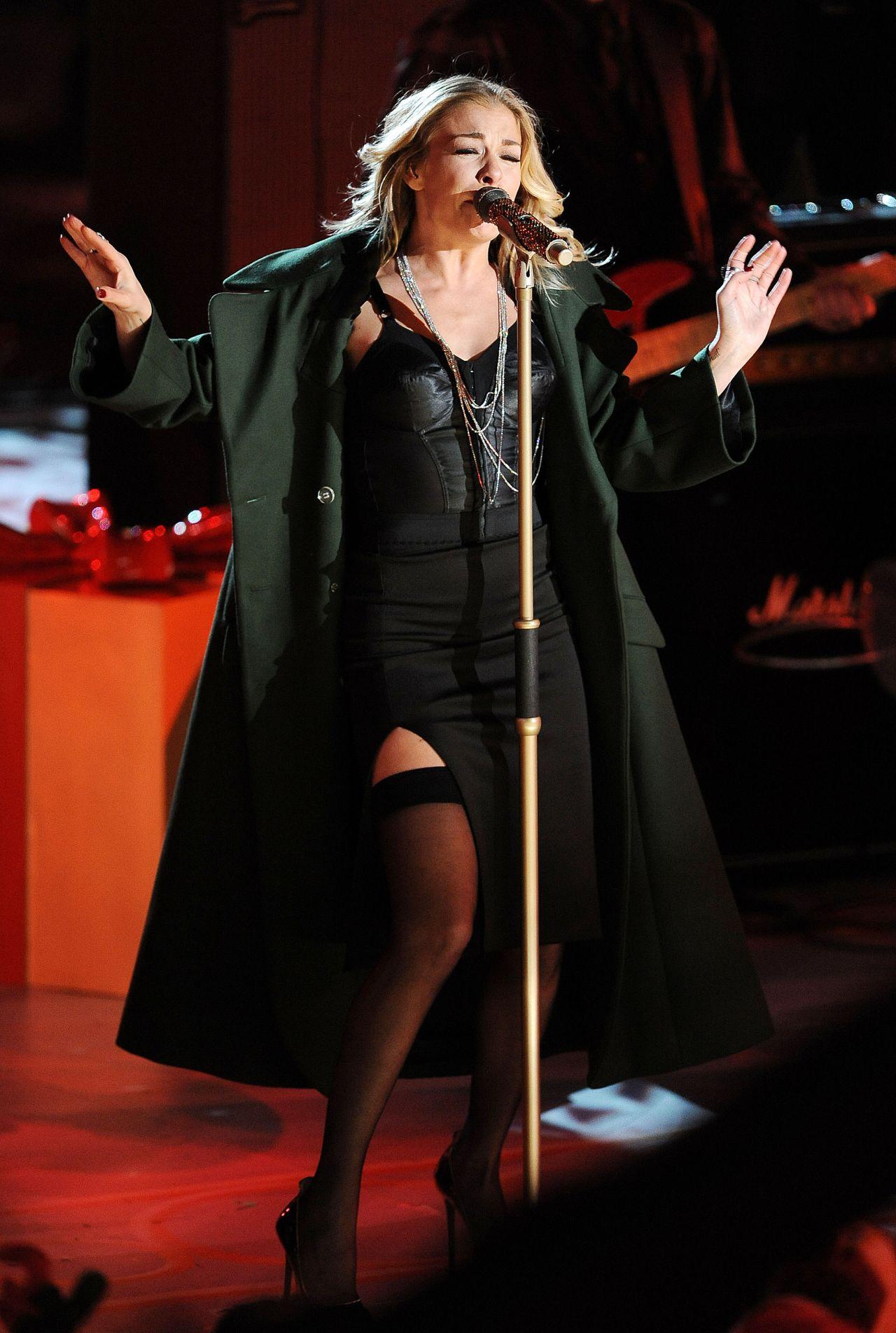 LeAnn Rimes Performs at 2014 Rockefeller Christmas Tree Lighting Ceremony in New York City