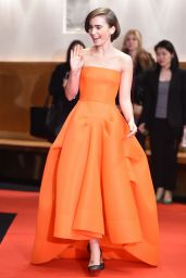 Lily Collins -