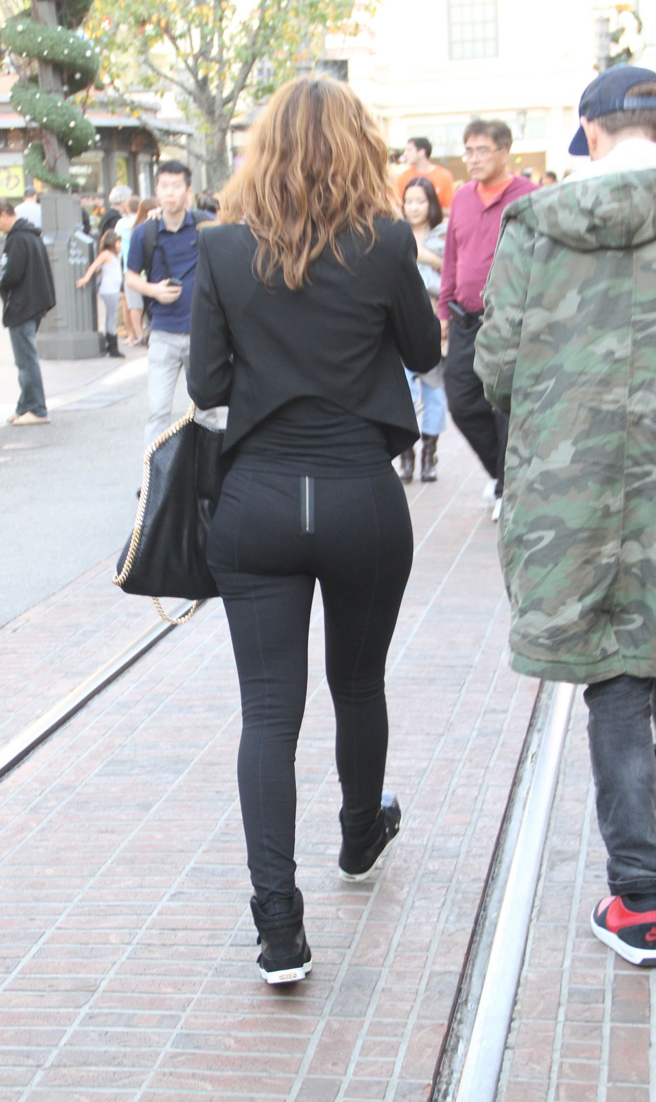Maria Menounos Booty - Out in West Hollywood, December 2014