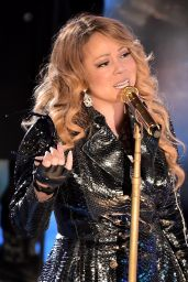 Mariah Carey Performs at Rockefeller Christmas Tree Lighting Ceremony - December 2014