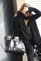 Mary Kate Olsen - Shops on Melrose Place in Los Angeles - December 2014