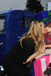 Molly Sims - Old Navy Holiday Event in Los Angeles, December 2014