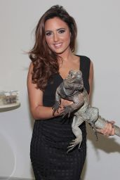 Nadia Forde Visited Ireland AM TV3 Studios - Dec. 2014