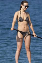 Olivia Wilde Bikini Pictures - at a Beach in Maui, December 2014
