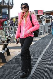 Paris Hilton Winter Style - Out on the Slopes in Aspen - December 2014